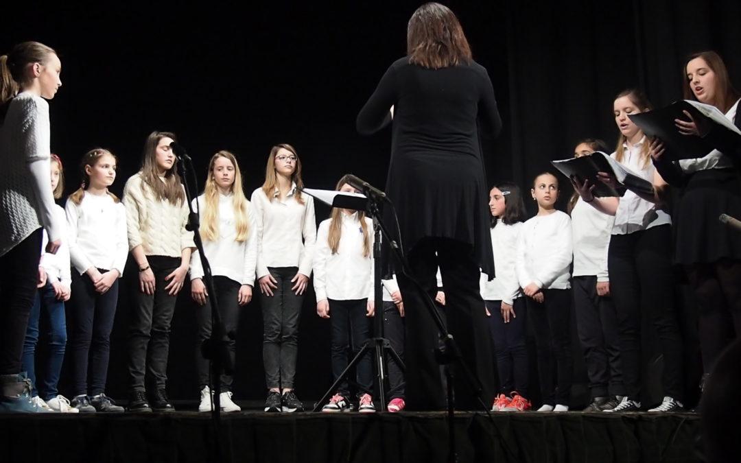 A Pinerolo concerto del coro di Voci Bianche e del Corelli Guitar Consort